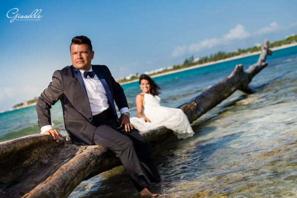 Jennifer & Rafael Trash the Dress @Playa del Carmen Punta Esmeralda